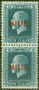Niue 1920 2 1/2d Blue SG28b Vertical Pair SG28-28a Fine Mtd Mint
